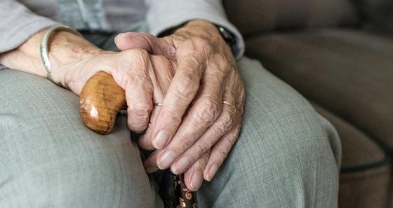 Пенсионный возраст для женщин повысили в Казахстане