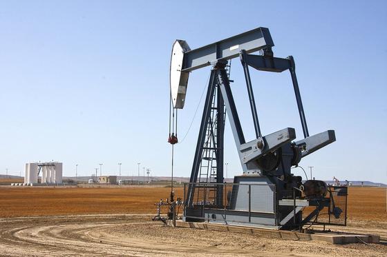 Ниже 19 долларов за баррель упала нефть WTI впервые с 2002 года