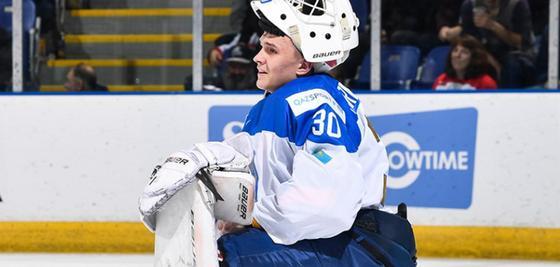 19-летний вратарь сборной Казахстана отразил 51 шайбу и влюбил в себя канадскую публику (видео)