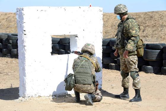 военнослужащие на полигоне