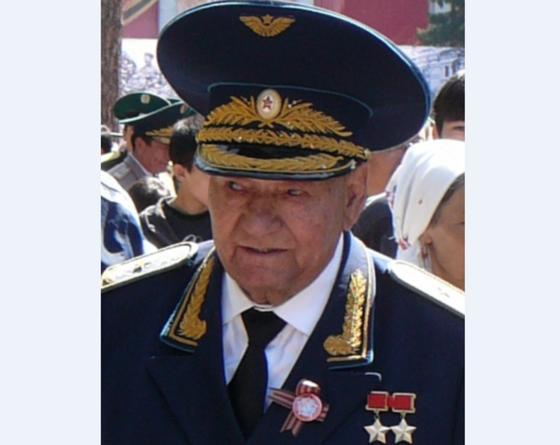 Талгат Бегельдинов на встрече с ветеранами