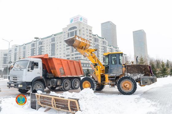 За прошедшие сутки убрано более 7 689 кубометров снега
