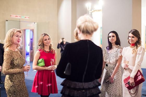 Екатерина Федун с дочерью на приеме у принцессы Кентской