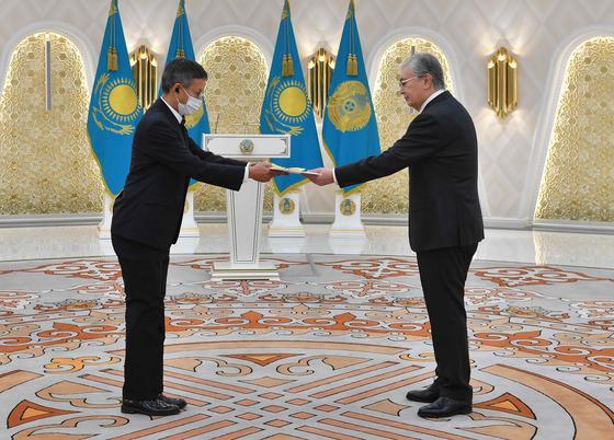 Касым-Жомарт Токаев и Чатчаван Сакорнсин