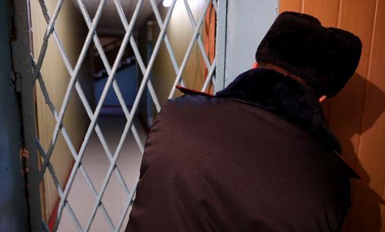 Двое мужчин вымогали миллион тенге у продавца телефонов в Алматы