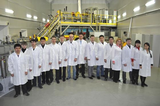 Сотрудники лаборатории инженерного профиля ЕНУ