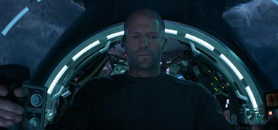 Джейсон Стэтхэм на кадре из фильма: «Мег: Монстр глубины»