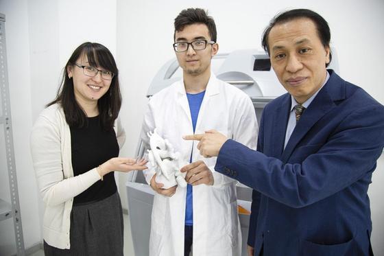 Впервые в Казахстане студенты распечатали на 3D принтере сердце.