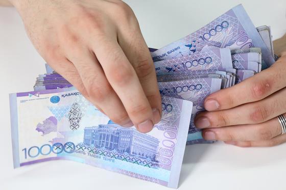 Сколько будет получать 35-летний казахстанец на пенсии, рассчитали в ЕНПФ