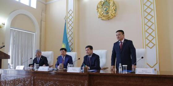 Жакип Асанов представил нового председателя Карагандинского областного суда