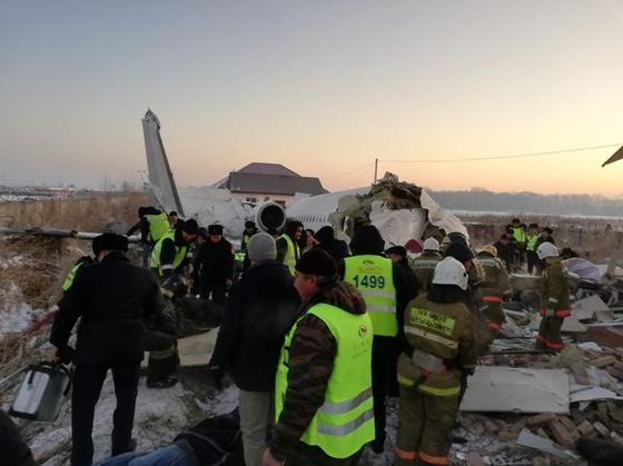 Стали известны подробности о крушении самолета в Алматы