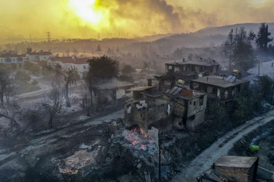 Последствия пожара в Анталье