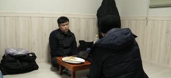 Казахстанцы, незаконно работающие в Южной Корее, не спешат возвращаться на Родину