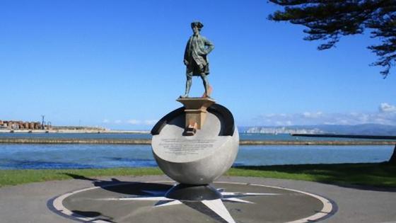 Памятник капитану Джеймсу Куку