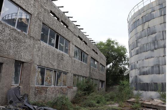 Іргелес жер учаскесі бар ғимарат Қазыбаев көшесі, 276А үй