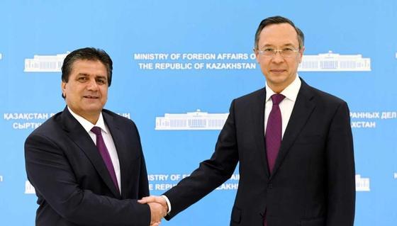Абдрахманов встретился с исполнительным директором секретариата СВМДА