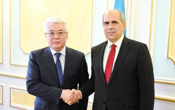 Спецпредставитель ЕС посетил Казахстан
