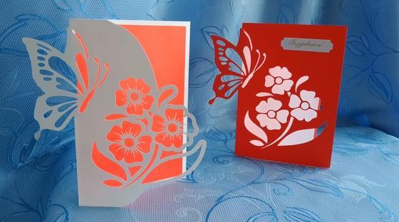 Белая и красная ажурные открытки