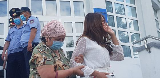 Жақындары айқайлап жылап, көмек сұрауда: Әліби Өтепбергеннің үкімі өзгеріссіз қалды