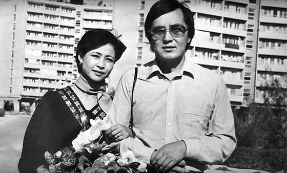 Роза Рымбаева и ее муж Таскын Окапов