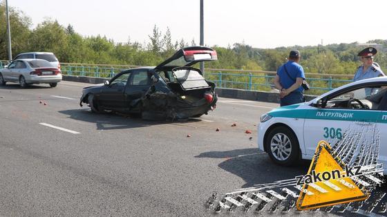 Mazda всмятку, Mitsubishi опрокинулся на Капчагайской трассе (фото)
