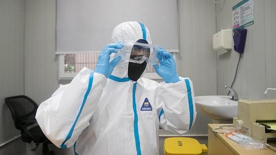Әлемде коронавирус жұқтырғандар саны 100 мыңнан асып жығылды