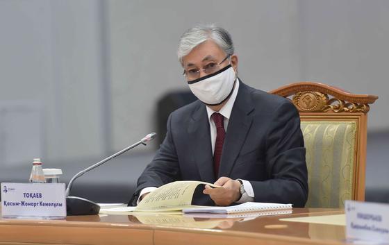 Касым-Жомарт Токаев на встрече с абаеведами в Семее