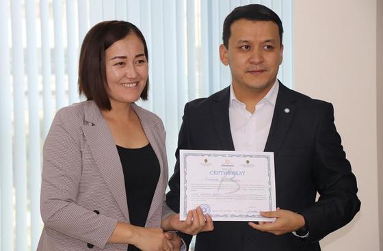 Более 150 многодетных мам обучились основам бизнеса в Алматы (фото)