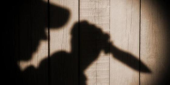 30-летний карагандинец напал с ножом на несовершеннолетнюю