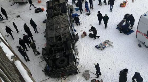 Траур объявили в Забайкалье: 19 человек погибли при крушении автобуса