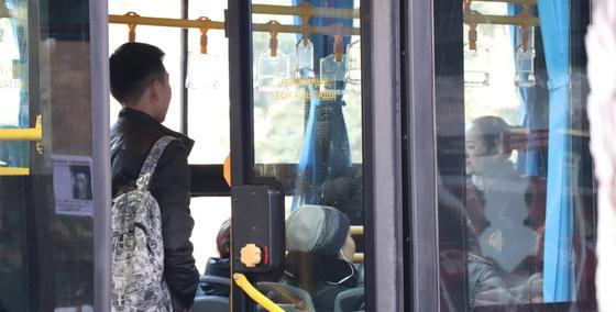 Школьный и пассажирский автобусы столкнулись в Нур-Султане