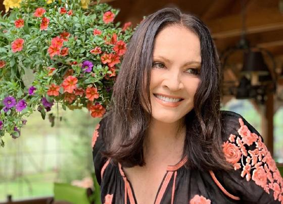 Почему София Ротару отказалась выступать в Казахстане, рассказал ее директор
