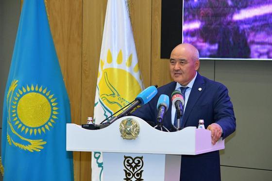 Умирзак Шукеев поздравил с 2-х летием образования Туркестанской области