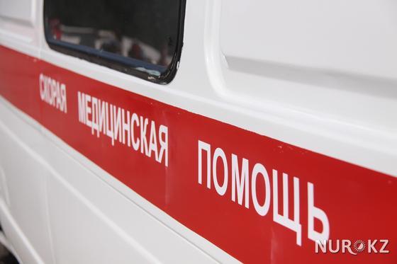 Mercedes 200 метров протащил попавшую под колеса женщину в Шымкенте (фото)