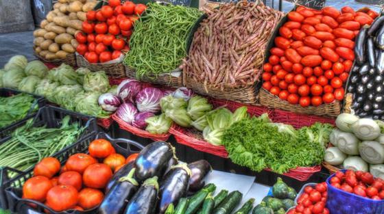 Павлодарцы пожаловались на цены на необходимые продукты