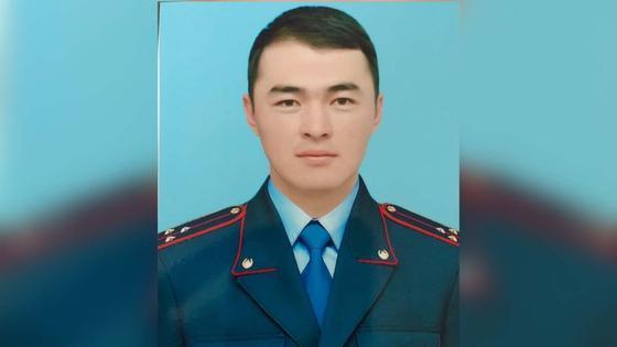 Полицейского ударили камнем во время массовой драки в Туркестанской области