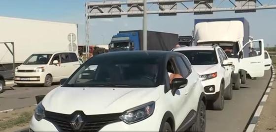 Россияне ездят заправлять автомобили в Казахстан (видео)