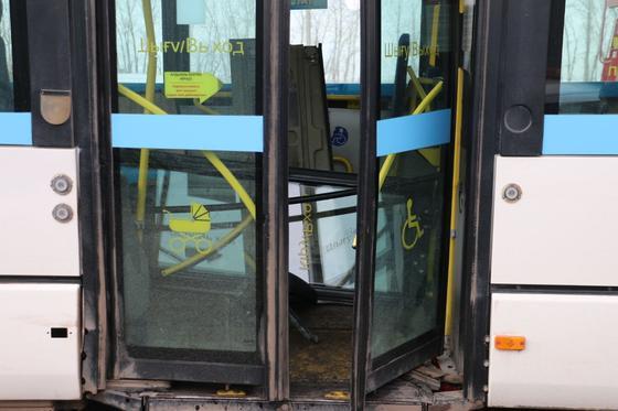 Три автобуса столкнулись в Нур-Султане: что известно (онлайн)