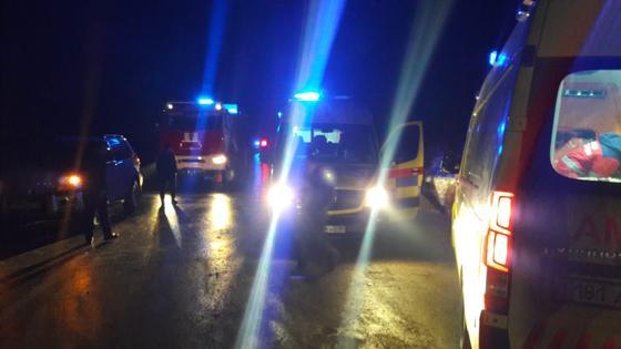 Автобус с 50 пассажирами перевернулся в Кызылординской области: есть погибшие