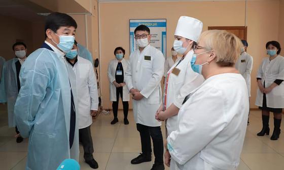 Бауыржан Байбек встречается с врачами в Аркалыке