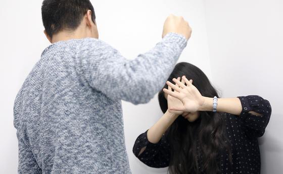 Астанчанка сняла на камеру нападение насильника и спасла девушку (видео)