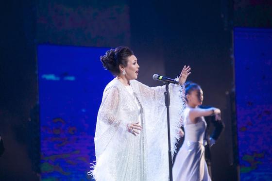 Грандиозный концерт в честь 90-летия Чингиза Айтматова прошел в «Астана Опера» (фото)