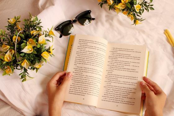 Книга в постели