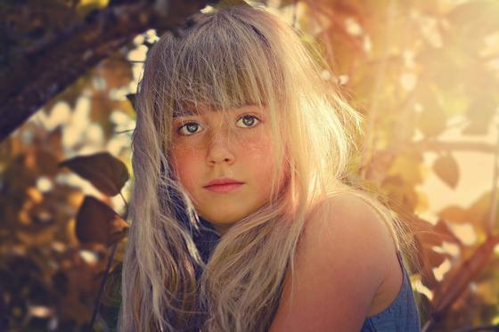 Девочка-блондинка