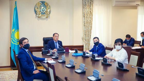 Ералы Тоғжановтың төрағалығымен өткен комиссия отырысы. Фото: primeminister.kz