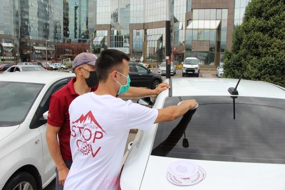 """В Алматы набирает популярность акция """"Носите маски"""""""