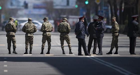 Токаев продлил режим ЧП в Казахстане до 1 мая