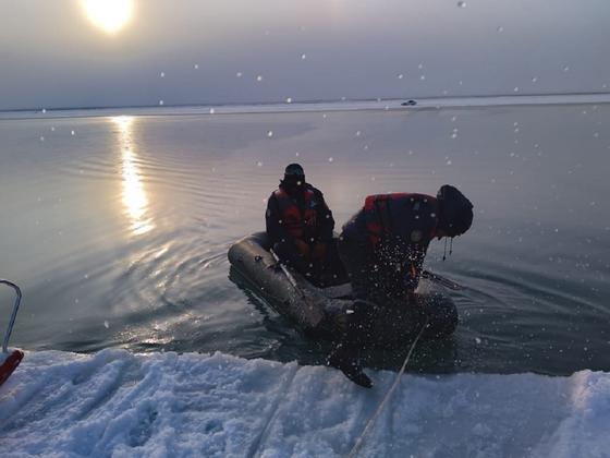 Спасательные работы на озере Алаколь