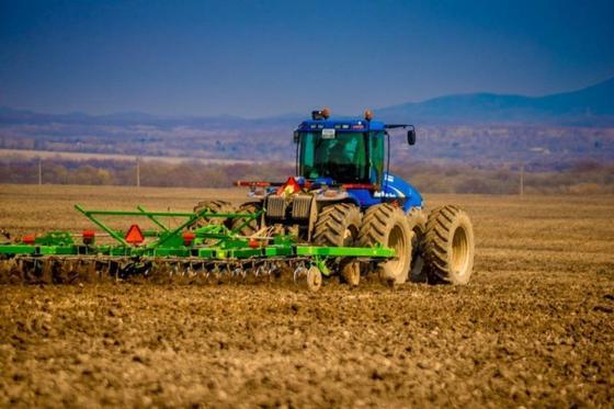 Весенне-полевые работы начались на юге Казахстана