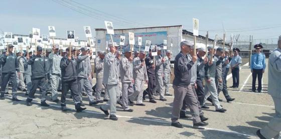 Торегали Тореали порадовал заключенных в Алматинской области (фото)